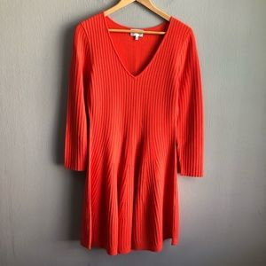 Milly v-neck ribbed fit and flare sweater dress M.